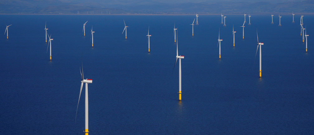 General view of the Walney Extension offshore wind farm operated by Orsted off the coast of Blackpool, Britain September 5, 2018. REUTERS/Phil Noble - RC11B7D75B00