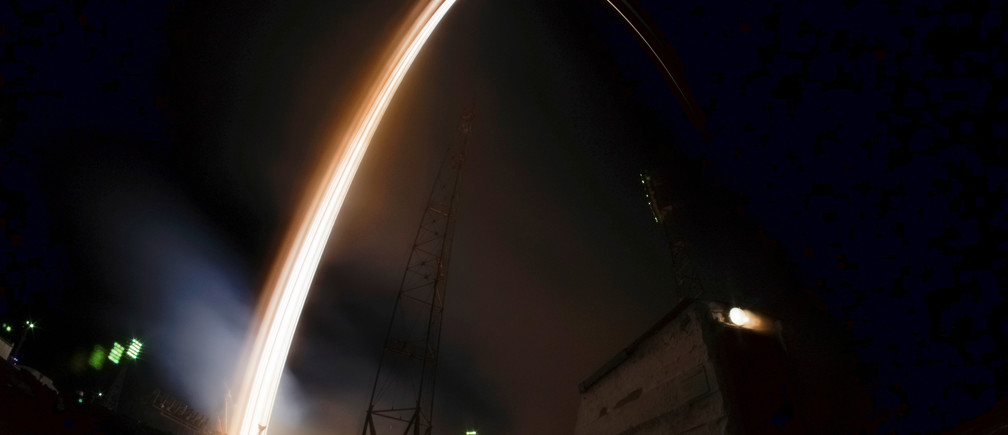 The Soyuz MS-03 spacecraft carrying the crew of Peggy Whitson of the U.S., Oleg Novitskiy of Russia and Thomas Pesquet of France blasts off to the International Space Station (ISS) from the launchpad at the Baikonur cosmodrome on this long exposure picture, Kazakhstan, November 18, 2016.  REUTERS/Shamil Zhumatov - RTX2U7F5