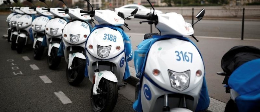A row of sharing service Cityscoot's free-floating electric scooters stands in Paris, France October 28, 2018. REUTERS/Benoit Tessier - RC1D9D389600