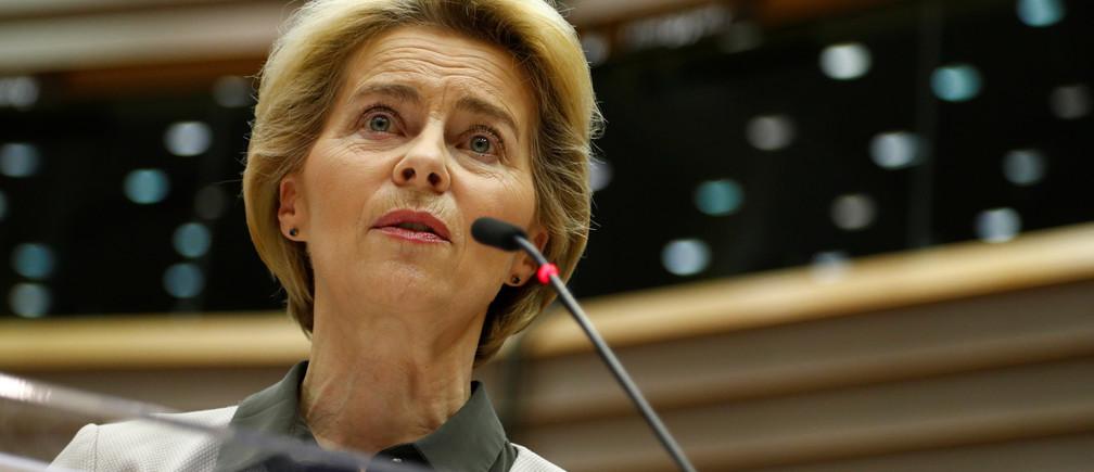 European Commission President Ursula von der Leyen speaks during an extraordinary session to present a Green Deal plan, at the European Parliament in Brussels, Belgium December 11, 2019. REUTERS/Francois Lenoir - RC21TD95XGPZ