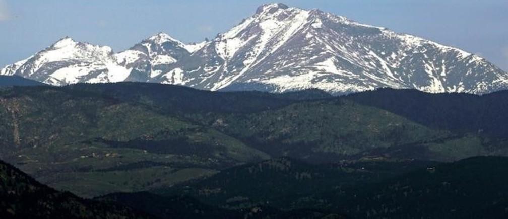 Long's Peak in Rocky Mountain National Park is seen from Boulder, Colorado June 3, 2016.  REUTERS/Rick Wilking