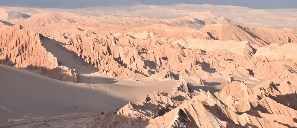 Atacama Desert, Chile Valle de la muerte heat arid mountains sand