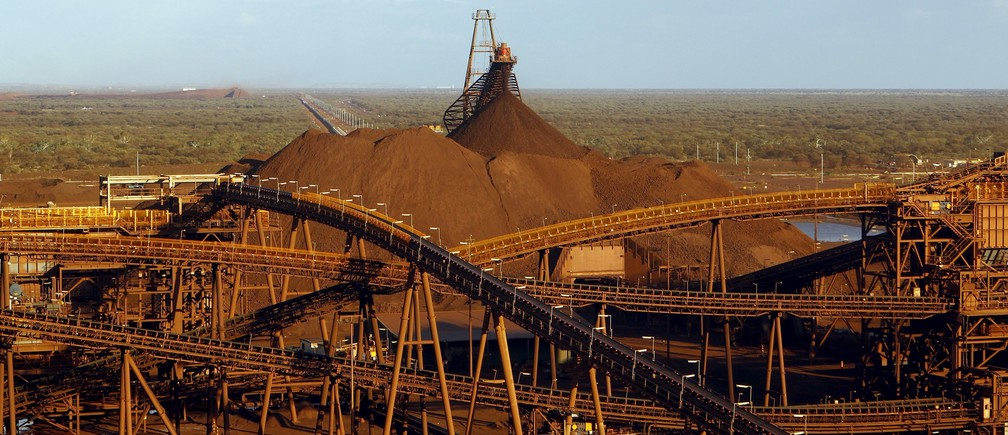 A processing plant can be seen at the Fortescue Metals Group (FMG) Christmas Creek iron ore mine located south of Port Hedland in the Pilbara region of Western Australia, November 17, 2015.