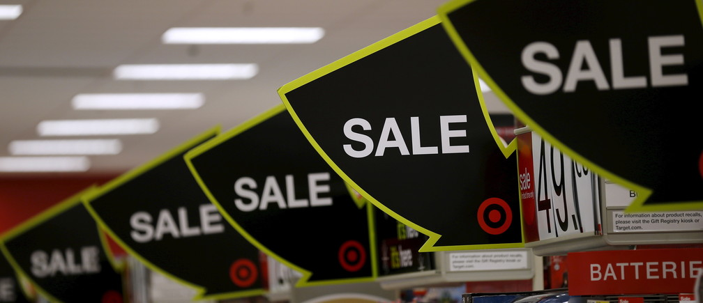 Advertising for Black Friday sales are on display at a Target store in Chicago, Illinois, United States, November 27, 2015. REUTERS/Jim Young - GF20000076580