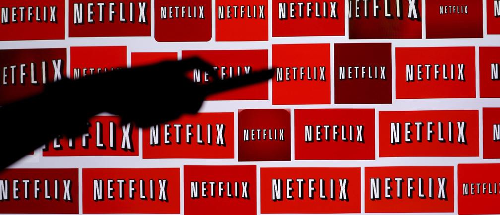 The Netflix logo is shown in this illustration photograph in Encinitas, California October 14, 2014.   REUTERS/Mike Blake/File Photo - TM3EC7I0TS701