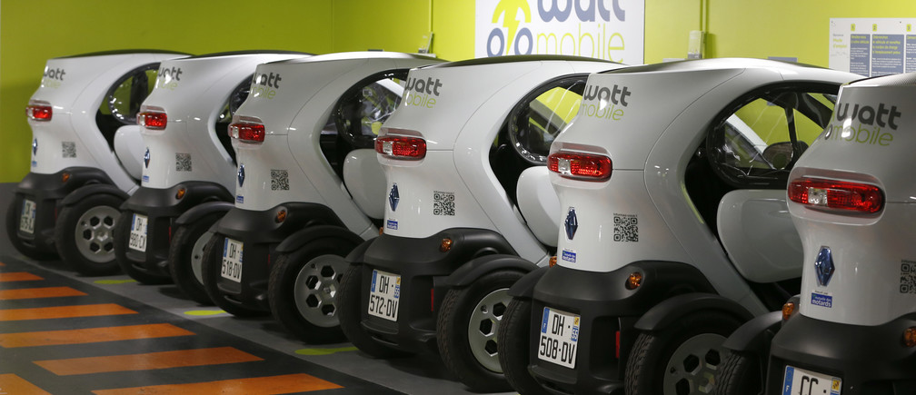 Renault electric city Twizy cars are parked during a presentation of the Wattmobile, a new self-drive Autolib-style electric car service at Gare de l'Est train station in Paris September 18, 2014.