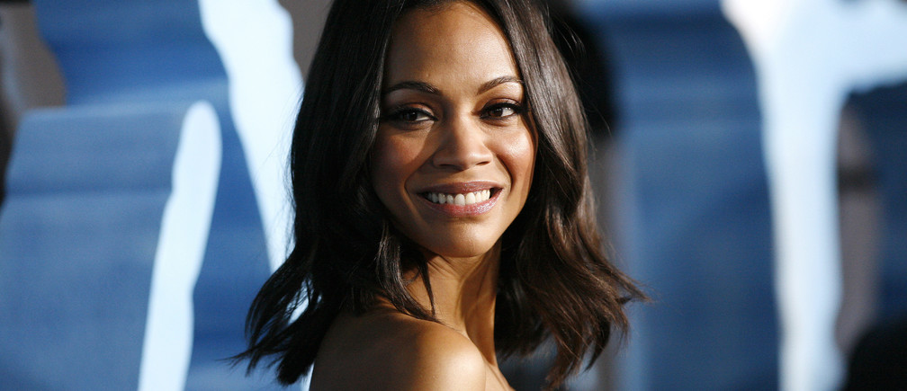 "Cast member Zoe Saldana poses at the premiere of ""Avatar"" at the Mann's Grauman Chinese theatre in Hollywood, California December 16, 2009. The movie opens in the U.S. on December 18.  REUTERS/Mario Anzuoni   (UNITED STATES - Tags: ENTERTAINMENT) - GM1E5CH12NS01"