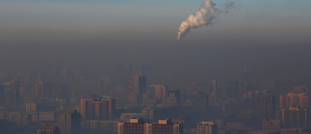 "Emissions from a power plant chimney rise over Ulaanbaatar, Mongolia January 13, 2017.  REUTERS/B. Rentsendorj   SEARCH ""RENTSENDORJ POLLUTION"" FOR THIS STORY. SEARCH ""WIDER IMAGE"" FOR ALL STORIES.      TPX IMAGES OF THE DAY - RC15A8F01DF0"
