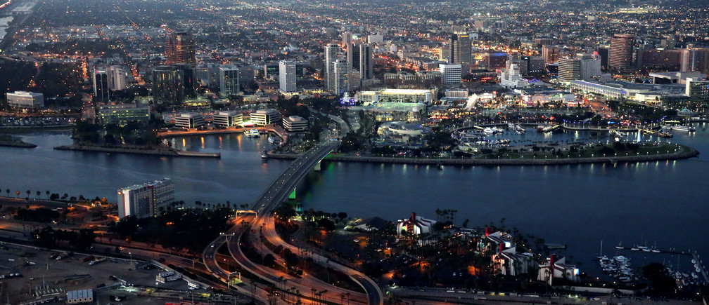 The city of Long Beach is seen at dusk, California, U.S., September 8, 2016. REUTERS/Lucy Nicholson - RTX2ORMH