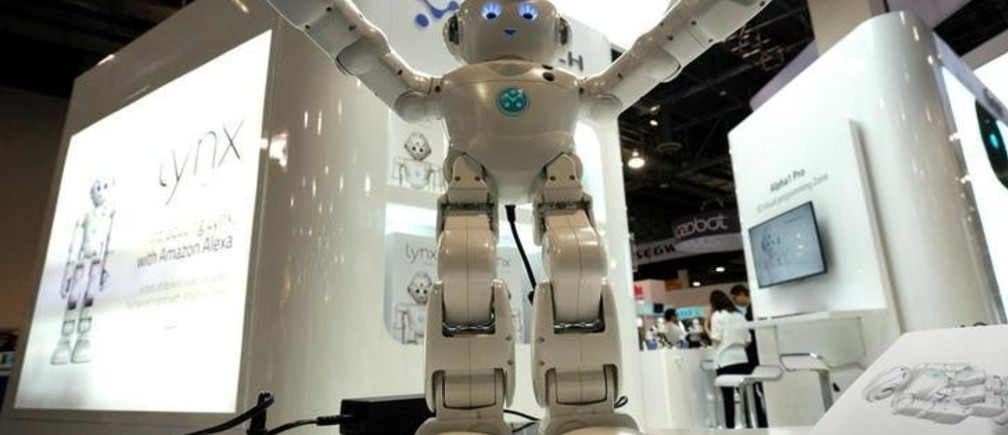 A Lynx robot with Amazon Alexa integration is on display at the Robotics Marketplace at CES in Las Vegas, U.S., January 5, 2017.  REUTERS/Rick Wilking