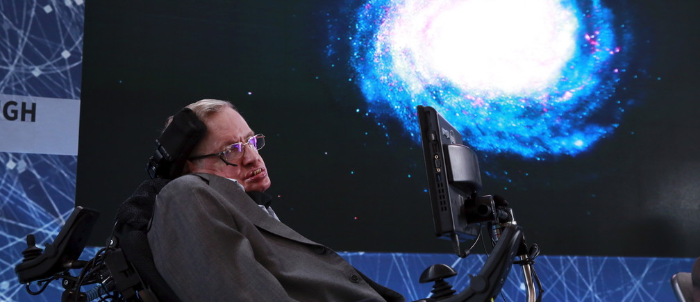 Physicist Stephen Hawking sits on stage during an announcement of the Breakthrough Starshot initiative with investor Yuri Milner in New York April 12, 2016. REUTERS/Lucas Jackson - GF10000380231