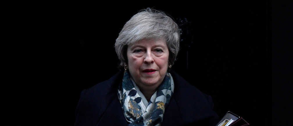 Britain's Prime Minister Theresa May leaves 10 Downing Steet in London, Britain, December 17, 2018. REUTERS/Toby Melville     TPX IMAGES OF THE DAY - RC12FA3F7790