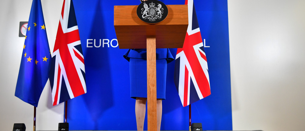 Britain's Prime Minister Theresa May attends a news conference following an extraordinary EU leaders summit to finalise and formalise the Brexit agreement in Brussels, Belgium November 25, 2018. REUTERS/Dylan Martinez     TPX IMAGES OF THE DAY - RC13AE92C820