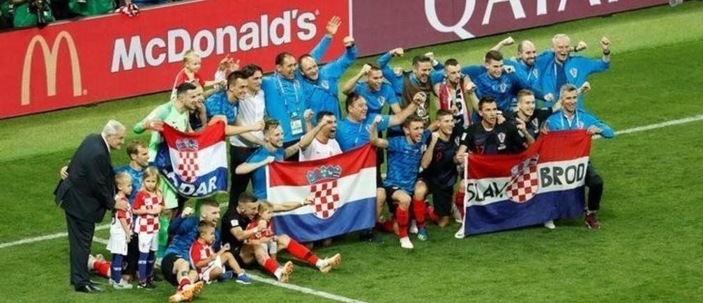 Soccer Football - World Cup - Semi Final - Croatia v England - Luzhniki Stadium, Moscow, Russia - July 11, 2018  Croatia players celebrate victory after the match   REUTERS/Damir Sagolj