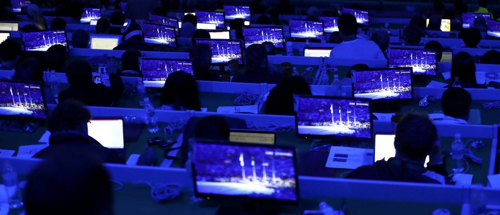 2016 Rio Olympics - Closing ceremony - Maracana - Rio de Janeiro, Brazil - 21/08/2016. Journalists work during the closing ceremony. REUTERS/Yves Herman FOR EDITORIAL USE ONLY. NOT FOR SALE FOR MARKETING OR ADVERTISING CAMPAIGNS.   - RTX2MGKU