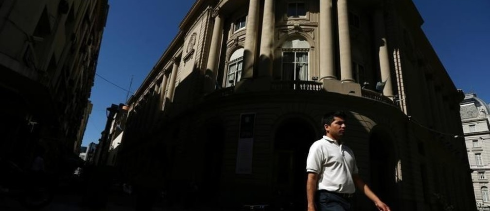 A man walks past the main entrance of the Buenos Aires Stock Exchange, Argentina, January 12, 2017. REUTERS/Marcos Brindicci - RTX2YPX1