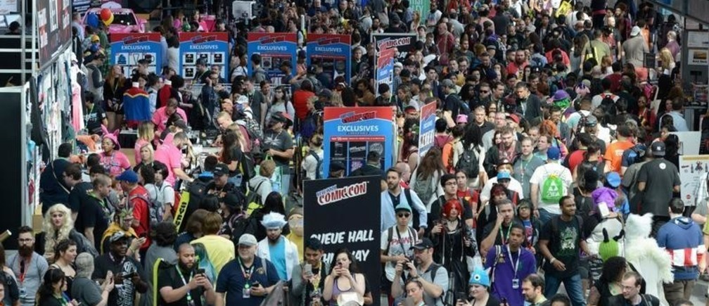 The crowd is seen at New York Comic Con in New York City, U.S. October 5, 2017. REUTERS/Stephanie Keith - RC1DE97F3B00
