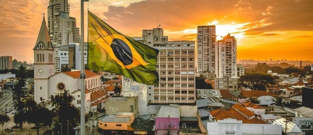 América Latina está invirtiendo en formas de reducir su brecha digital en medio de COVID-19.