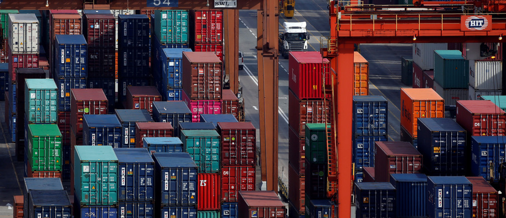A general view of Kwai Tsing Container Terminals for transporting shipping containers in Hong Kong, China July 25, 2018.  REUTERS/Bobby Yip - RC17846E68A0