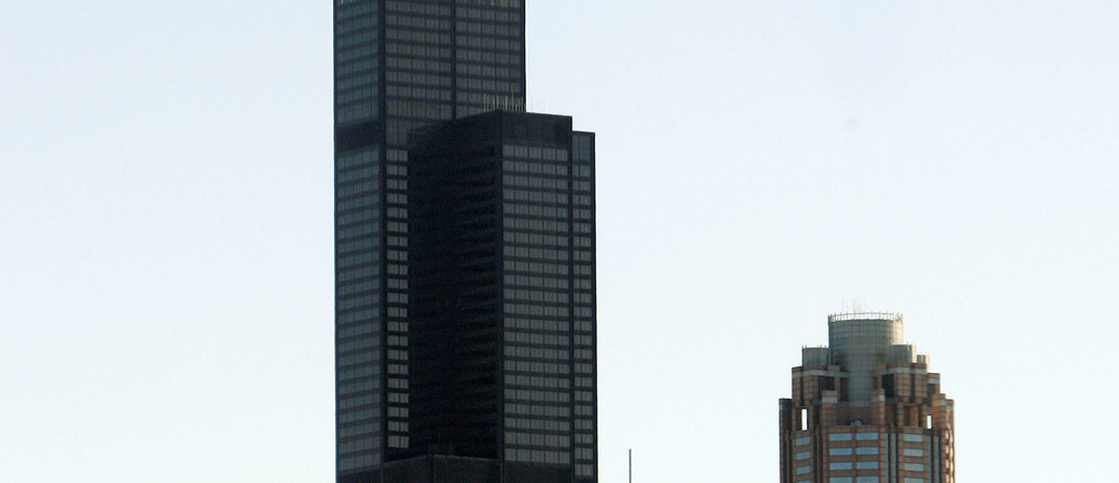 FILE PHOTO - The newly named Willis Tower is seen in the skyline of Chicago, Illinois July 16, 2009.  REUTERS/Frank Polich/File Photo - RTX2Z90D