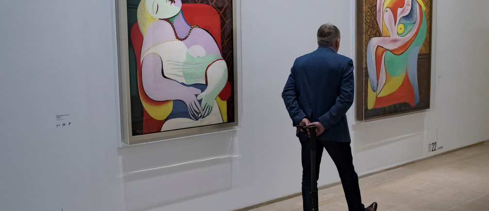 "A visitor tours the ""Picasso 1932: Erotic Year"" exhibition at the Picasso Museum in Paris, France, October 8,2017. REUTERS/Ian Langsdon/Pool"