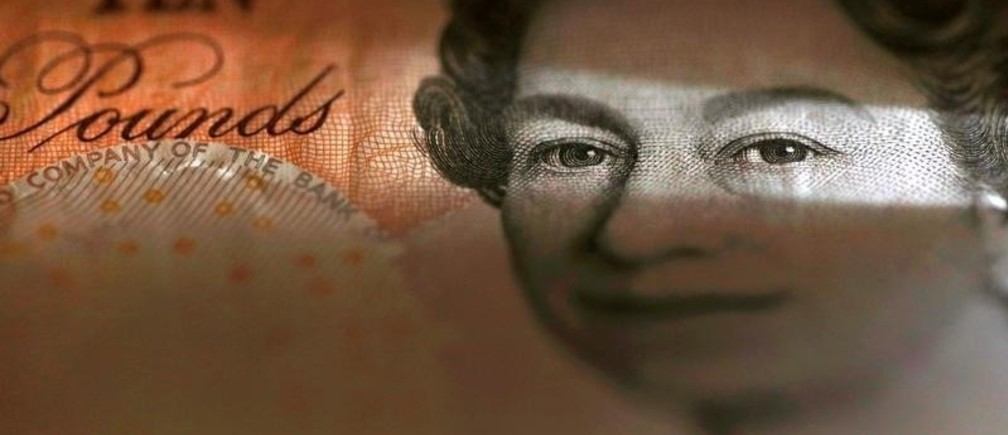 An English ten Pound note is seen in an illustration taken March 16, 2016. REUTERS/Phil Noble