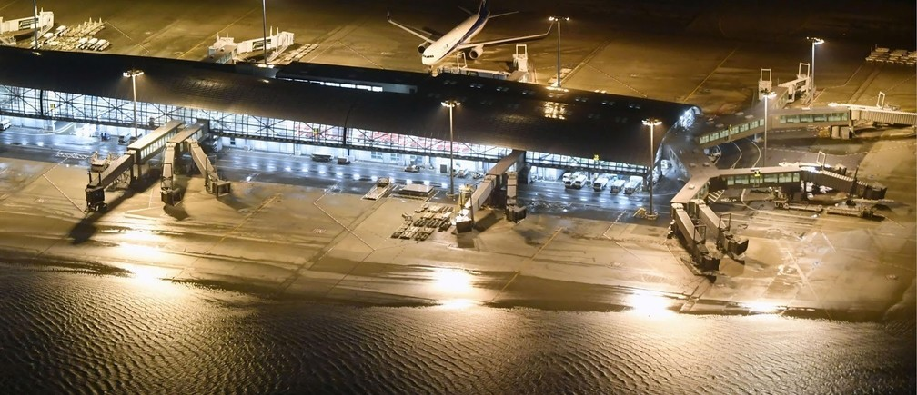 Kansai airport under water