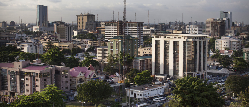 A view of buildings in the Victoria Island district of Lagos October 29, 2013. REUTERS/Joe Penney (NIGERIA - Tags: CITYSCAPE ENVIRONMENT) - GM1E9AU0MFJ01