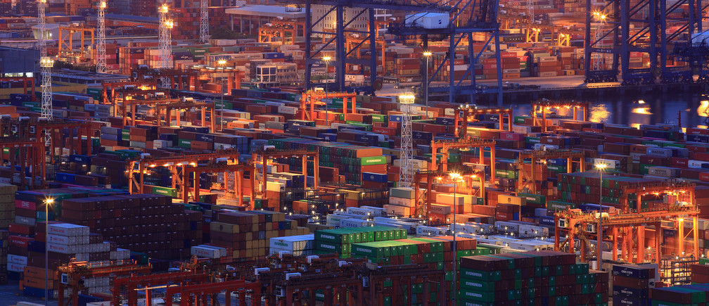 Containers are seen at Yantian port in Shenzhen, Guangdong province, China July 4, 2019. Picture taken July 4, 2019. REUTERS/Stringer  ATTENTION EDITORS - THIS IMAGE WAS PROVIDED BY A THIRD PARTY. CHINA OUT. - RC1471296020