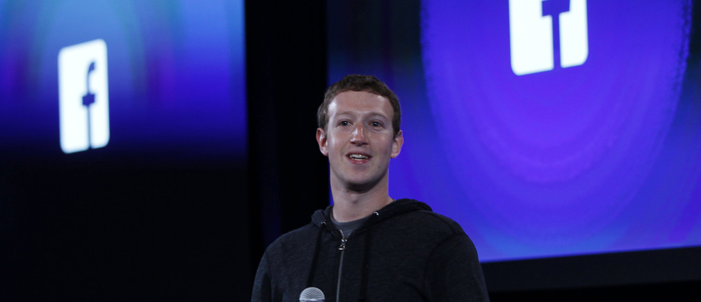 Mark Zuckerberg, Facebook's co-founder and chief executive speaks during a Facebook press event in Menlo Park, California, April 4, 2013.  REUTERS/Robert Galbraith (UNITED STATES  - Tags: BUSINESS SCIENCE TECHNOLOGY BUSINESS TELECOMS) - TM4E94410R901