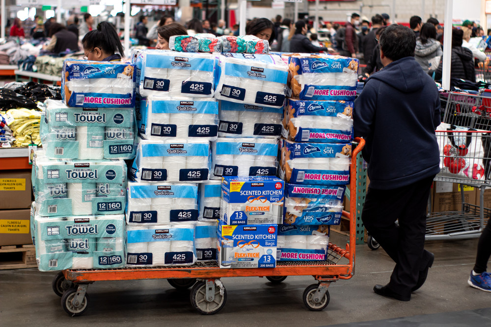 Despite assurances of a sufficient and stable supply, citizens start to hoard toilet paper and other food items.
