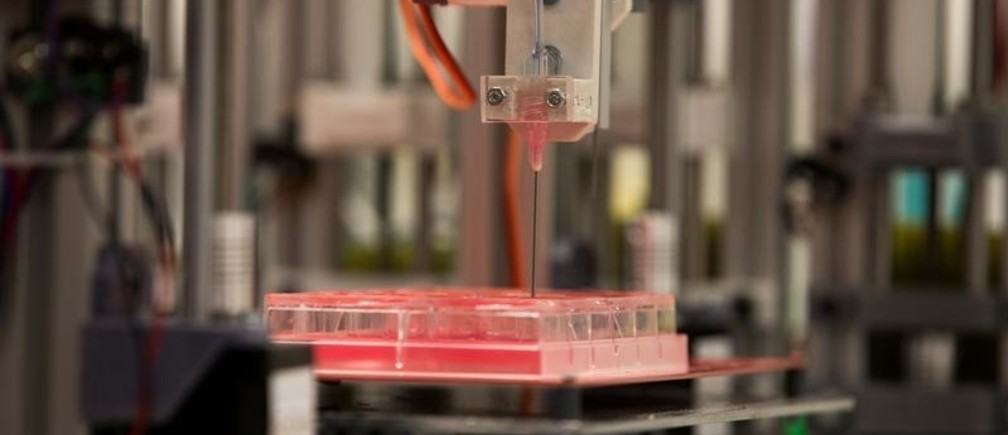 A 3D bioprinter prototype which for the first time is able to replicate human skin that can be used for transplants and testing in the cosmetic, chemical and pharmaceutical industries, works at Carlos III University in Getafe, Spain, February 2, 2017. Picture taken February 2, 2017. REUTERS/Sergio Perez - RC17AF41BB10