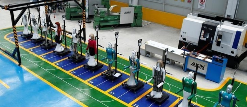 Humanoid robots are pictured at Akinrobotics, the country's first-ever factory to mass produce humanoid robots, in Konya, Turkey, December 8, 2017. Picture taken December 8, 2017. REUTERS/Murad Sezer