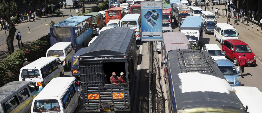 Traffic stands still on both sides the streets of Kenya's capital Nairobi April 7, 2015. REUTERS/Goran Tomasevic - GF10000051553