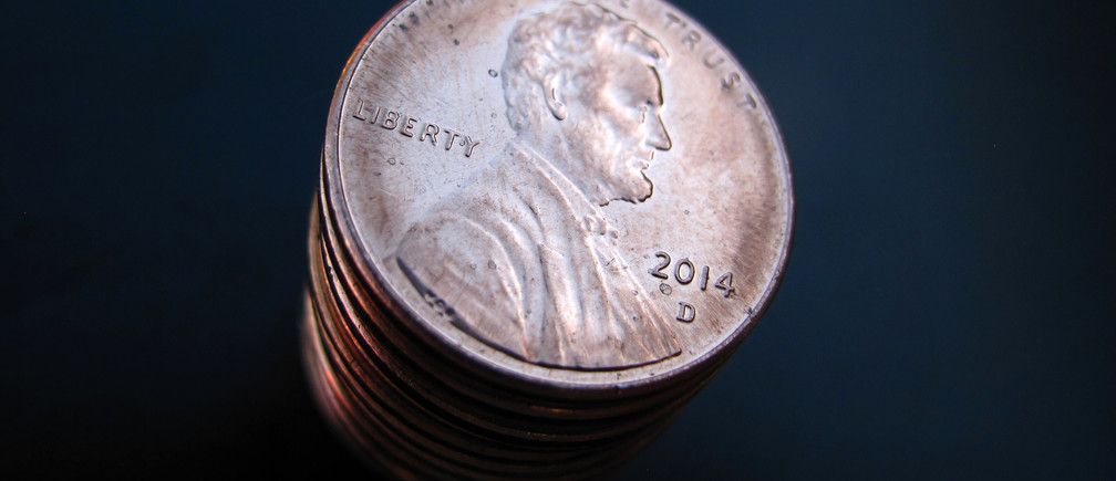 A stack of one cent U.S. coins depicting Abraham Lincoln is shown in this photo Illustration in Encinitas, California March 26, 2015. Picture taken March 26, 2015.  REUTERS/Mike Blake - TM3EB3Q1I5Y01