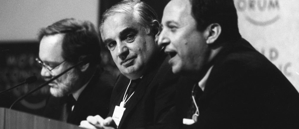 DAVOS/SWITZERLAND, JAN 1997 - (fltr) Fred Bergsten, Director of the Institute for International Economics, USA; Peter Sutherland, Chairman and Managing Director of Goldman Sachs International; and Lawrence Summers, Deputy Secretary of the Treasury of the United States at the Annual Meeting of the World Economic Forum in Davos in 1997.
