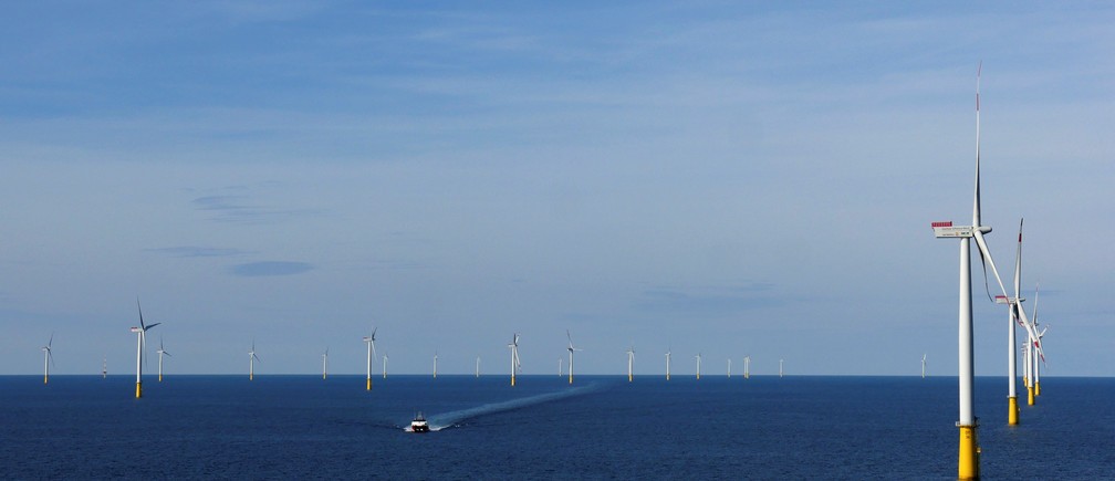 A boat sails past DanTysk wind farm, 90 kilometres west of Esbjerg, Denmark, September 21, 2016. Picture taken September 21, 2016. To match EUROPE-OFFSHORE/WINDPOWER  REUTERS/Nikolaj Skydsgaard - RTX2TXDD