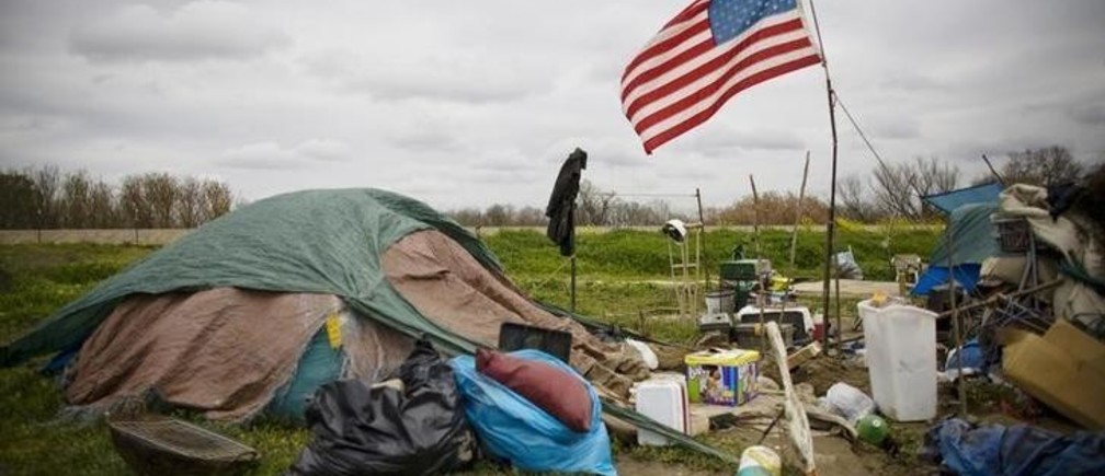 A campsite at a homeless tent city in Sacramento California March 15, 2009. Sacramento's tent city has seen an increase in population as unemployment numbers grow in the US. REUTERS/ Max Whittaker  (UNITED STATES SOCIETY BUSINESS)