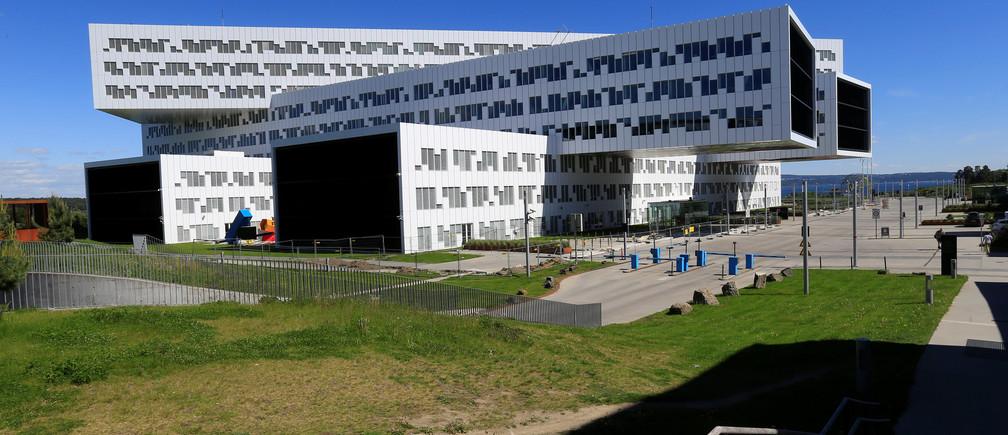 Norwegian oil company's Statoil headquarters in Fornebu, Norway, June 1, 2017. REUTERS/Ints Kalnins - RC1833D6EB40