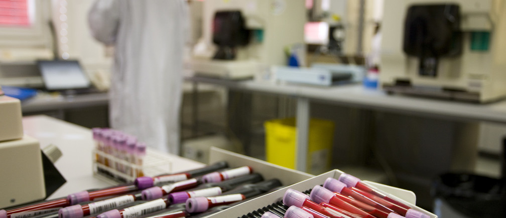 Blood samples are pictured at the Swiss Laboratory for Doping Analysis in Epalinges near Lausanne July 15, 2008. Some 4,500 tests, an increase from the 3,600 done in Athens in 2004, will be conducted under the authority of the International Olympic Committee (IOC) by the Organising Committee for the Olympic Games (BOCOG) and World Anti-Doping Agency (WADA) during the Beijing Olympic Games. The tests will be conducted at 41 doping control stations, 34 in Beijing and seven in the co-host cities. REUTERS/Valentin Flauraud (SWITZERLAND) (BEIJING OLYMPICS 2008 PREVIEW) - BM2E47F118N01