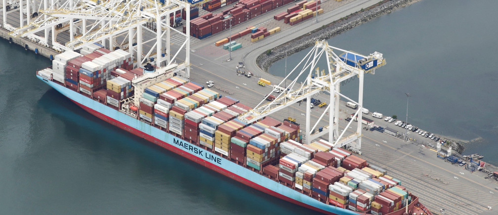 The ship Anna Maersk is docked at Roberts Bank port carrying 69 containers of mostly paper and plastic waste returned by the Philippines in Vancouver, British Columbia, Canada June 29, 2019. REUTERS/Jason Redmond - RC14905AA660