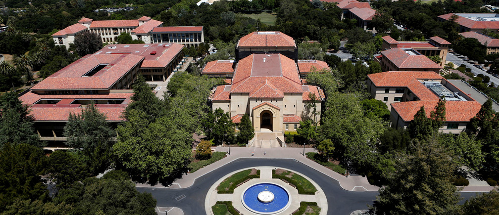 Stanford University's campus is seen from atop Hoover Tower in Stanford, California, U.S. May 9, 2014. To match special report COLLEGE-CHARITY/ REUTERS/Beck Diefenbach/File Photo - RTSS8R1