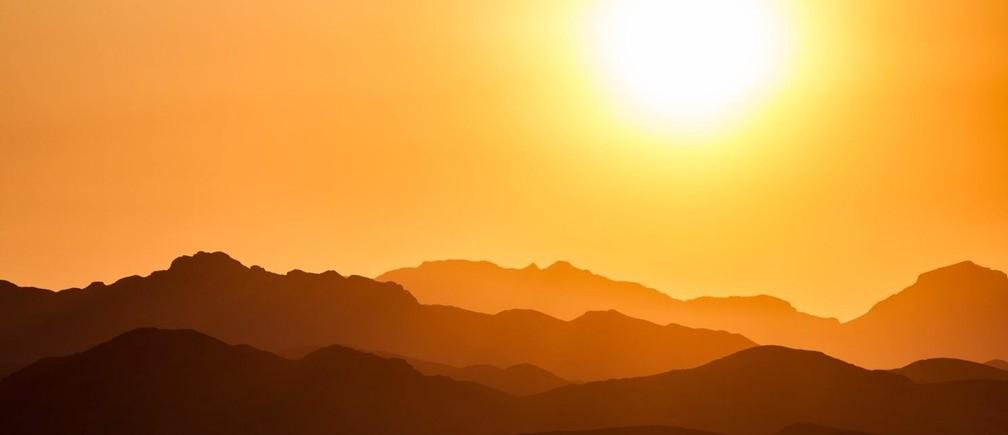 Sun, Australia