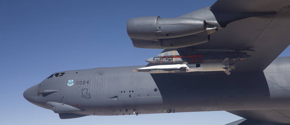 A U.S. Air Force B-52 carries the X-51 Hypersonic Vehicle out to the range for a launch test from Edwards AFB, California in this handout photo provided by the U.S. Air Force on May 1, 2013. The X-51 achieved Mach 5.1 traveling 230 nautical miles in just over six minutes making this test the longest air-breathing hypersonic flight ever. REUTERS/Bobbi Zapka/USAF/Handout via Reuters   (UNITED STATES - Tags: TRANSPORT MILITARY SCIENCE TECHNOLOGY) ATTENTION EDITORS - THIS IMAGE WAS PROVIDED BY A THIRD PARTY. FOR EDITORIAL USE ONLY. NOT FOR SALE FOR MARKETING OR ADVERTISING CAMPAIGNS. THIS PICTURE IS DISTRIBUTED EXACTLY AS RECEIVED BY REUTERS, AS A SERVICE TO CLIENTS - GM1E95402NB01