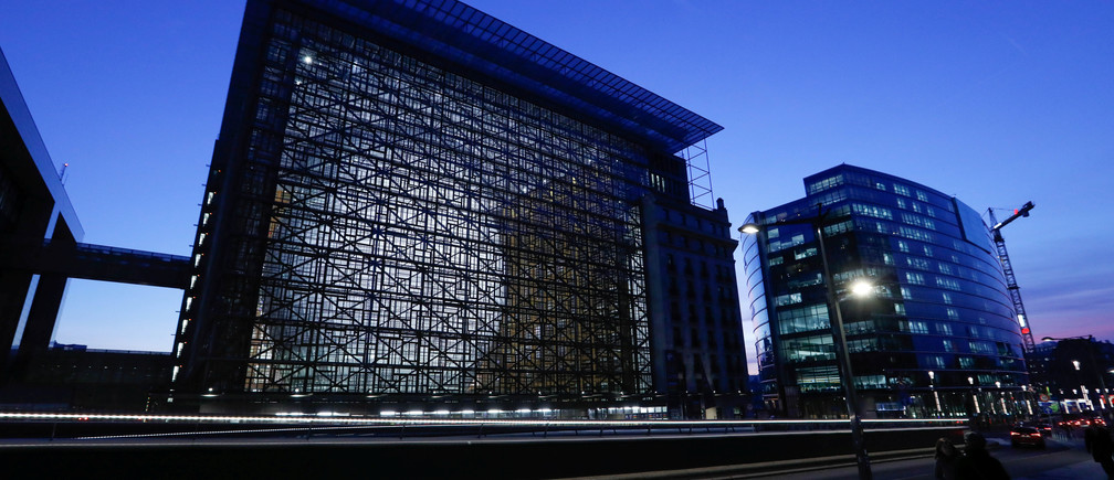 A view shows Europa, the new European Council building in Brussels, Belgium December 9, 2016. Building: Philippe Samyn and Partners architects & engineers, lead and design partner, Studio Valle Progettazioni architects, Buro Happold engineers; colour compositions by Georges Meurant. REUTERS/Yves Herman - RTSVFFD