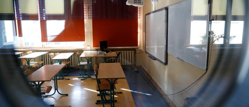 An empty classroom is seen during teachers' strike at a primary school in Warsaw, Poland April 8, 2019. REUTERS/Kacper Pempel - RC1CDB6F7430