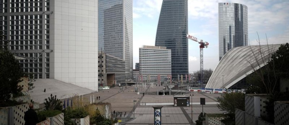 A view shows the deserted business district of La Defense as lockdown is imposed to slow the spreading of the coronavirus disease (COVID-19) in Paris, France, March 18, 2020. REUTERS/Benoit Tessier - RC2EMF9F4L5K