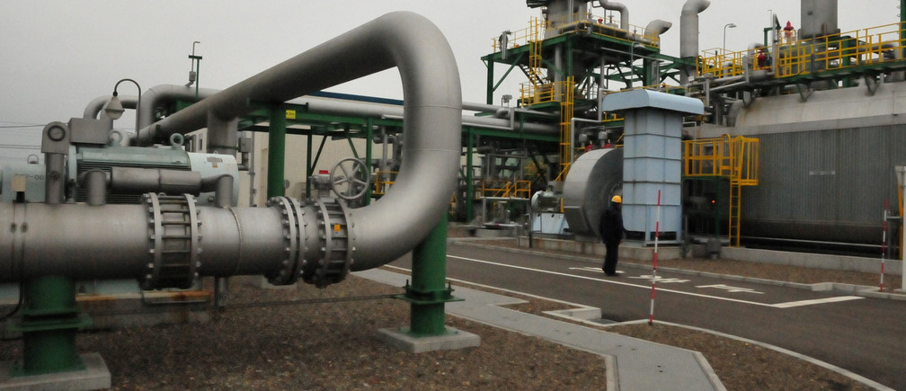 A pipe for transporting carbon dioxide to removal equipment is shown at the Tomakomai carbon, capture and storage (CCS) test site in Tomakomai, Hokkaido prefecture, Japan March 22, 2018. Picture taken on March 22, 2018.
