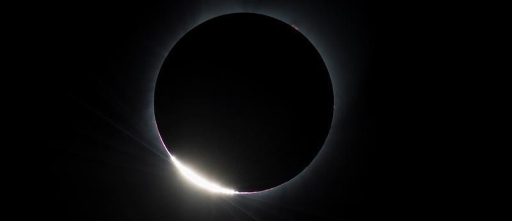 The Diamond Ring effect is seen as the moon makes its final move over the sun during the total solar eclipse above Madras, Oregon, U.S., August 21, 2017.   Courtesy Aubrey Gemignani/NASA/Handout via REUTERS  ATTENTION EDITORS - THIS IMAGE HAS BEEN SUPPLIED BY A THIRD PARTY.  MANDATORY CREDIT - RC14BD141430