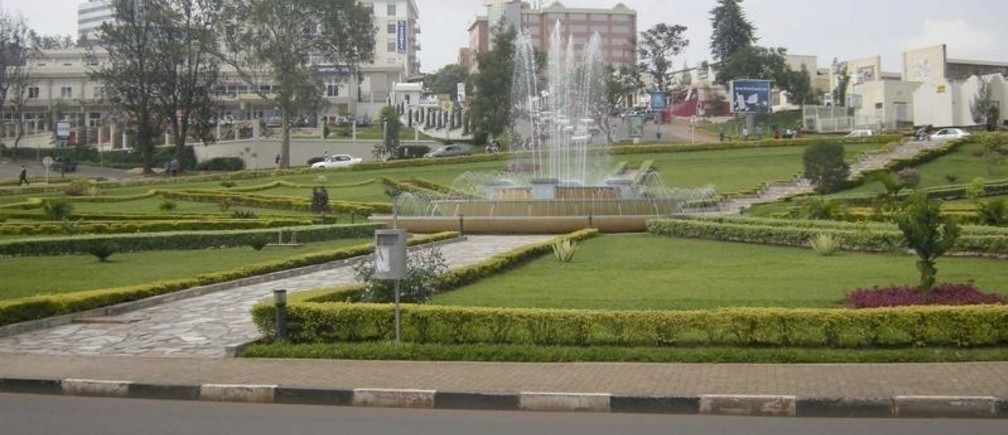 A water fountain is seen in the middle of a roundabout in Rwanda's capital Kigali, November 24, 2008.
